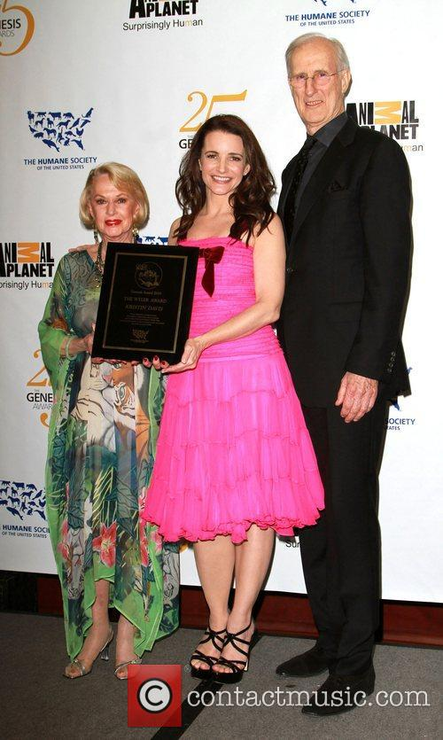 Tippi Hedren, James Cromwell and Kristin Davis 6