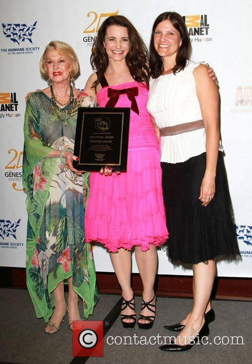 Tippi Hedren and Kristin Davis 4