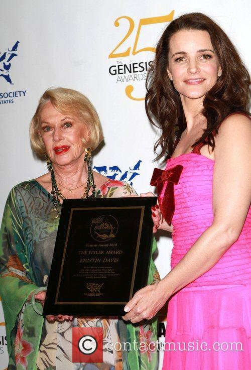 Tippi Hedren and Kristin Davis 9