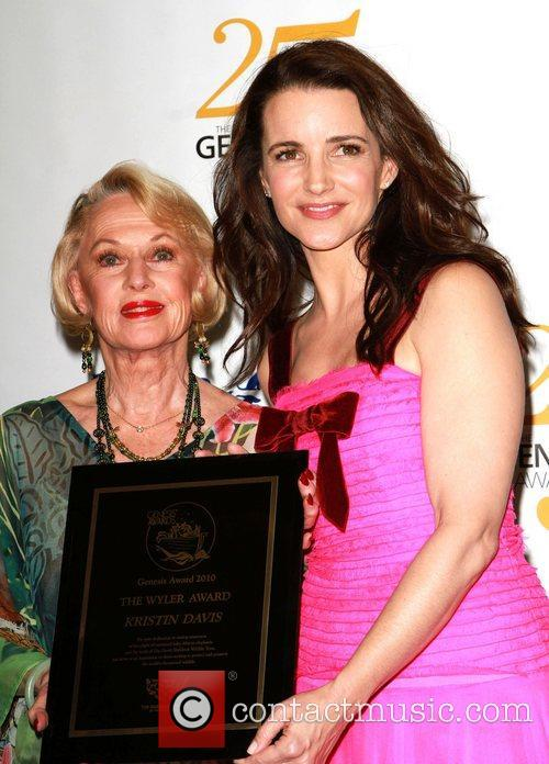 Tippi Hedren and Kristin Davis 5