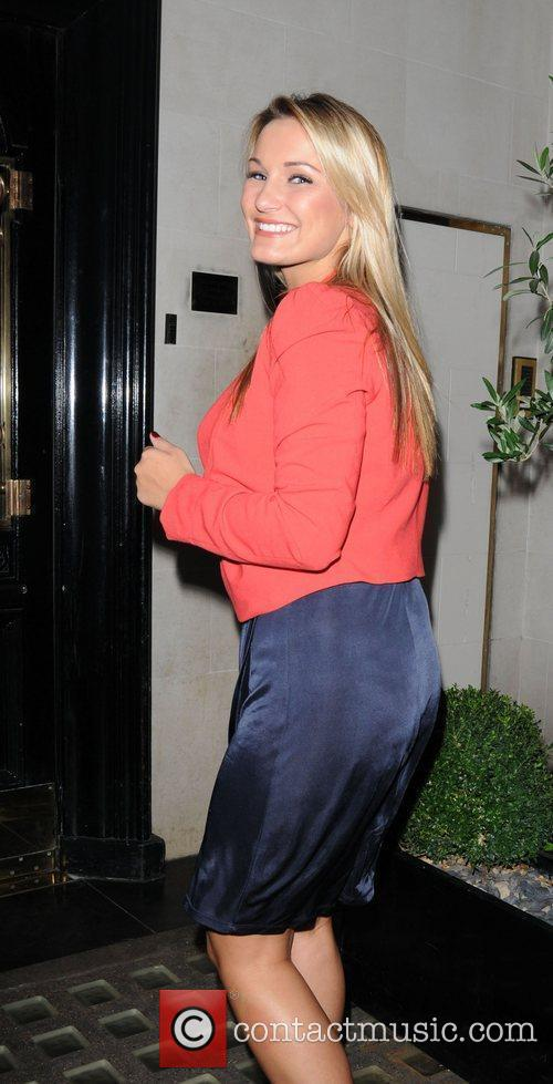 Sam Faiers leaves George restaurant in Mayfair