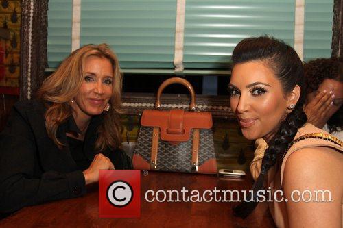 Felicity Huffman and Kim Kardashian 5