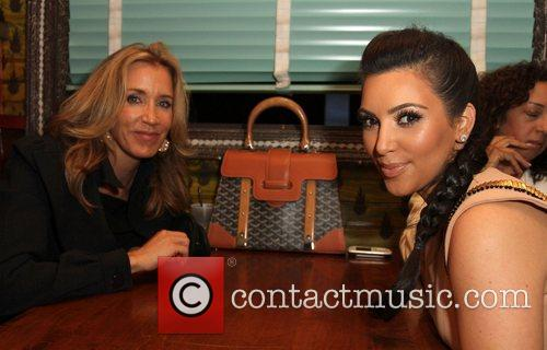 Felicity Huffman and Kim Kardashian 4