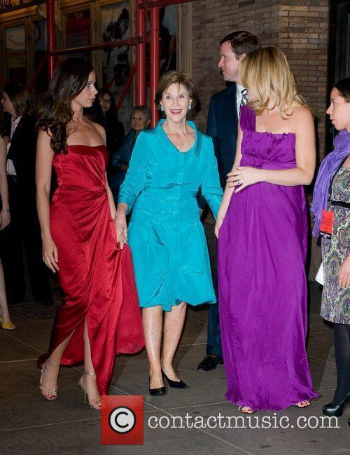 Laura Bush, Jenna Bush and Glamour Women Of The Year Awards 4