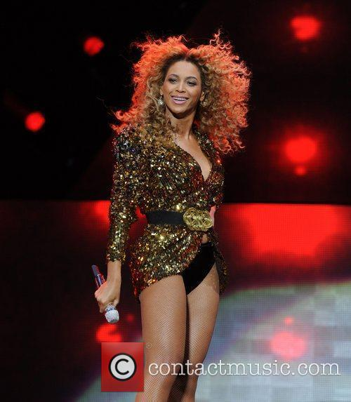 Beyonce and Beyonce Knowles 5