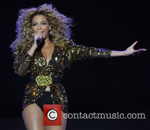 Beyonce and Beyonce Knowles 10