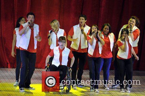 Glee 24