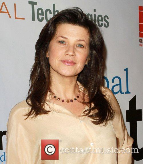 Daphne Zuniga - Photo Gallery