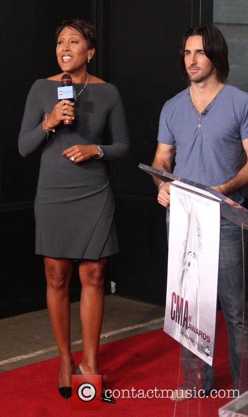 Robin Roberts and Jake Owen 4