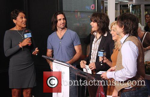 Robin Roberts, Jake Owen and The Band Perry 2