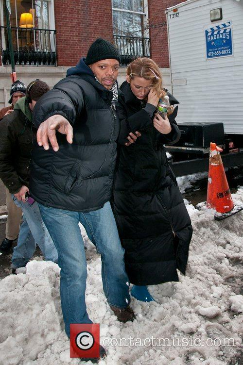 Blake Lively  On The Set of Gossip...
