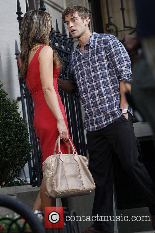 Elizabeth Hurley and Chace Crawford shooting for 'Gossip...