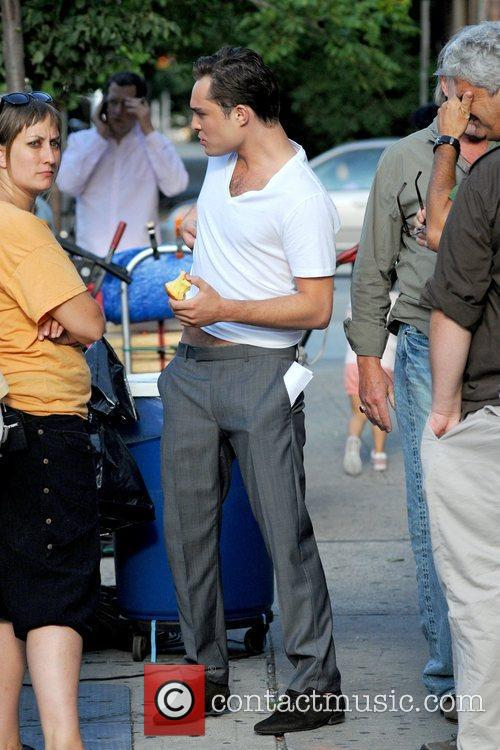 Eating an apple on the set of 'Gossip...