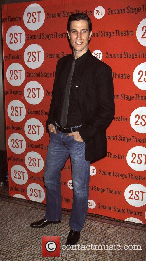 Pablo Schreiber 6