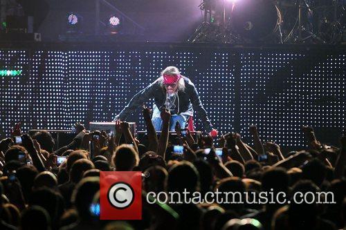Axl Rose and Guns N Roses 10