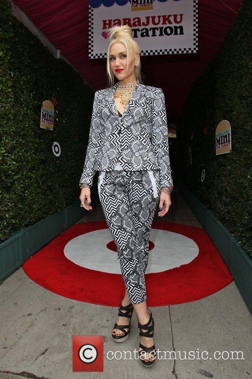 Gwen Stefani 32