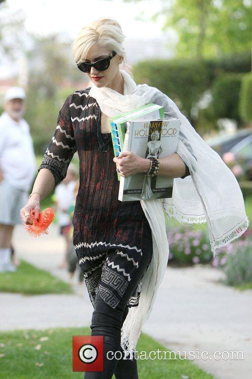 Gwen Stefani, Jean Harlow and Rooney 2