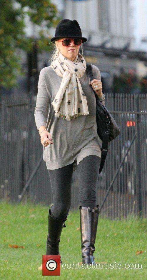 Gwen Stefani out for a walk in Primrose...