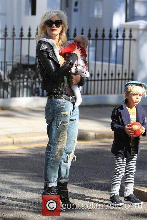 Gwen Stefani carrying a friends baby, Kingston Gwen...