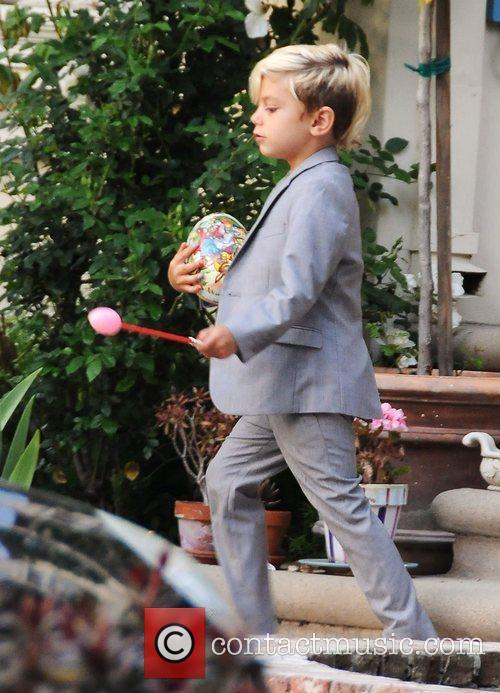 Gwen Stefani, husband Gavin Rossdale and their son...