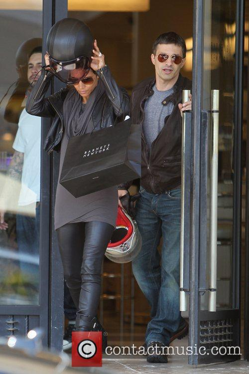 Halle Berry, Helmet and Olivier Martinez 14