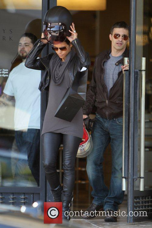 Halle Berry, Helmet and Olivier Martinez 19