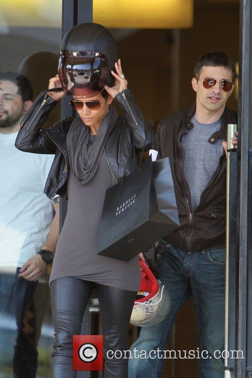 Halle Berry, Helmet and Olivier Martinez 8