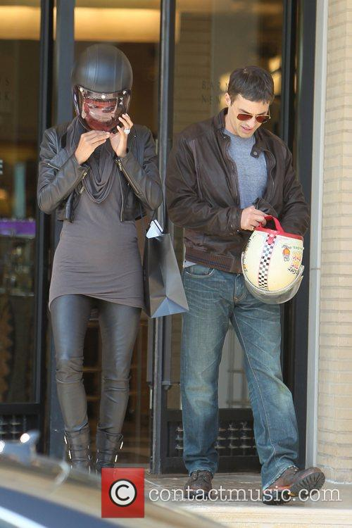 Halle Berry, Helmet and Olivier Martinez 10
