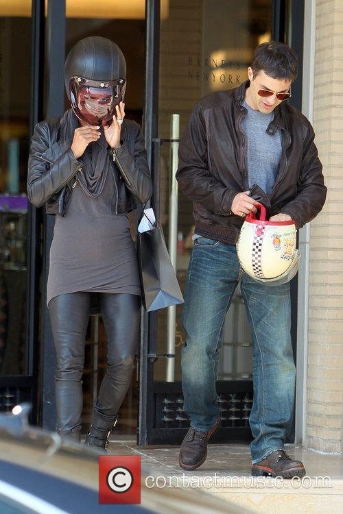 Halle Berry, Helmet and Olivier Martinez 16