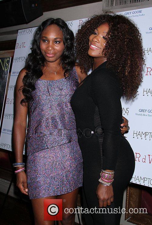 Venus Williams, Celebration and Serena Williams 7