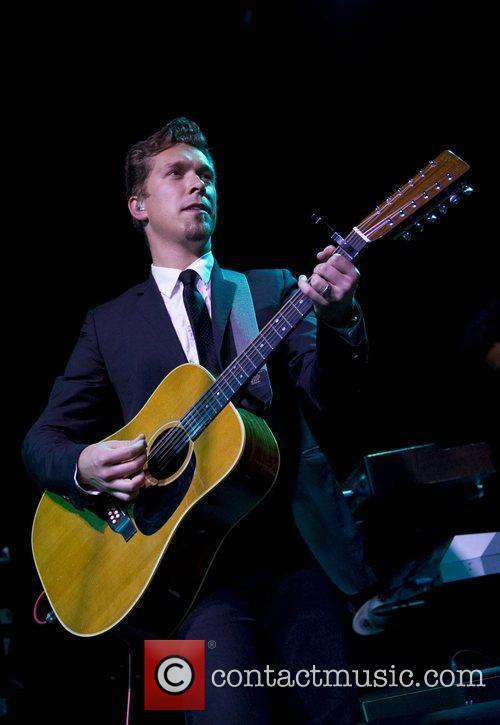 Hanson performing live at KCLSU London