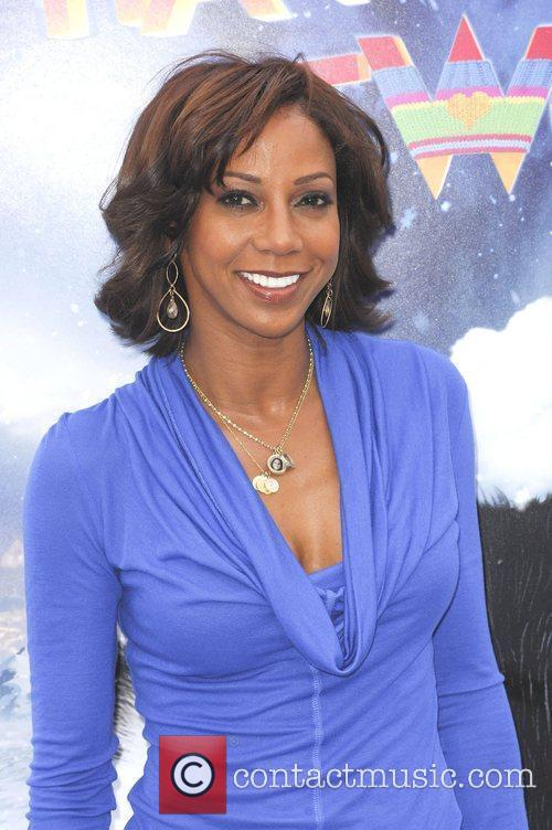 Holly Robinson Peete and Grauman's Chinese Theatre 3