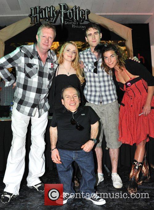 Evanna Lynch, Mark Williams, Matthew Lewis, Natalia Tena and Warwick Davis 6