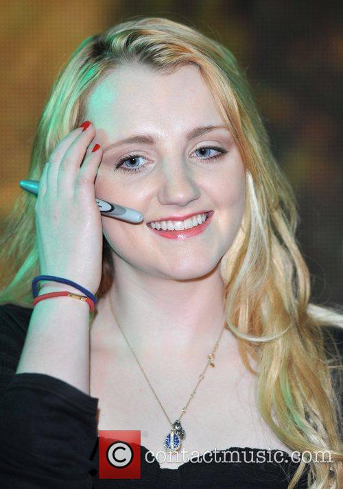 Evanna Lynch Harry Potter And The Deathly Hallows:...