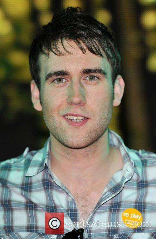 Matthew Lewis Harry Potter And The Deathly Hallows:...