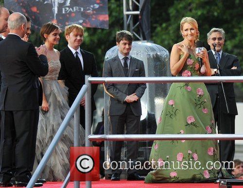 Jk Rowling, Daniel Radcliffe, Emma Watson and Rupert Grint 3