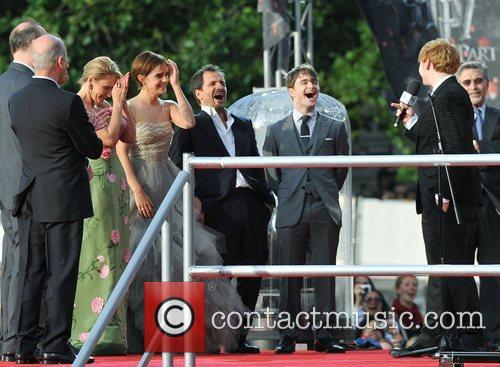 Jk Rowling, Daniel Radcliffe, Emma Watson and Rupert Grint 4
