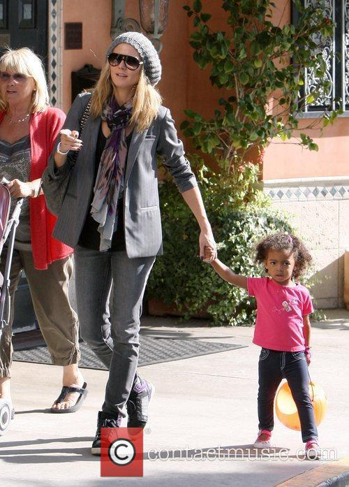 heidi klum shopping with her daughter lou 3591585