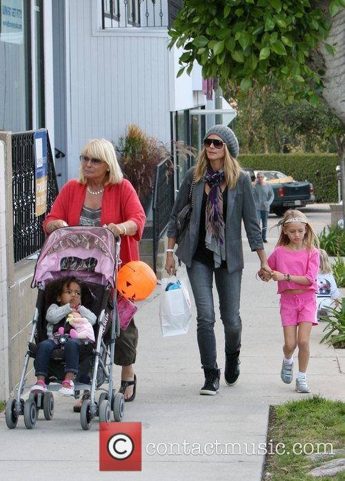 heidi klum shopping with her daughters leni 3591581