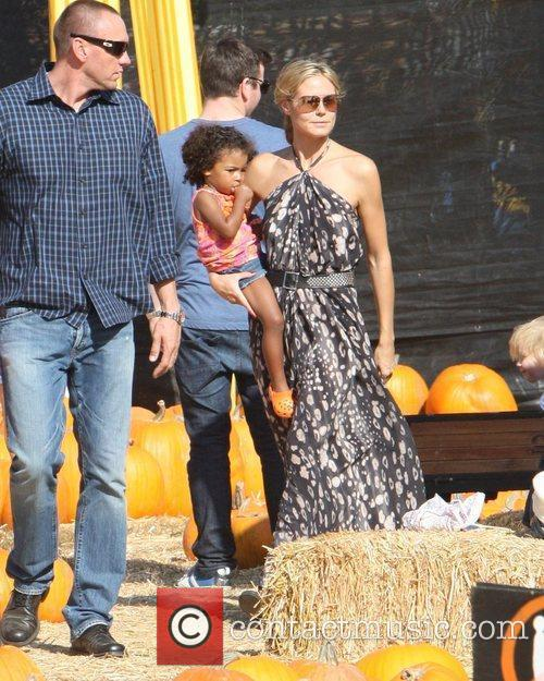 Heidi Klum and her daughter Lou spend an...