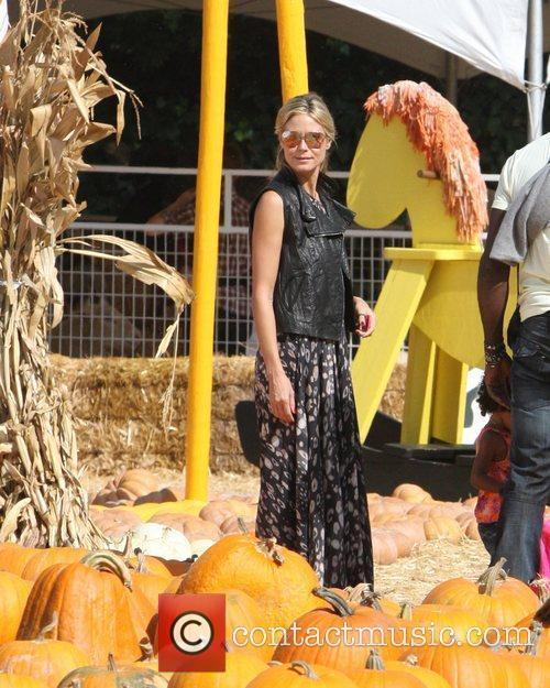 Heidi Klum spends an afternoon at Mr Bones...