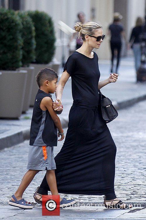 Henry Samuel and Heidi Klum Heidi Klum walking...