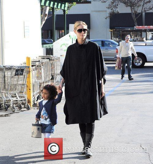 Heidi Klum takes her daughter to Whole Foods...