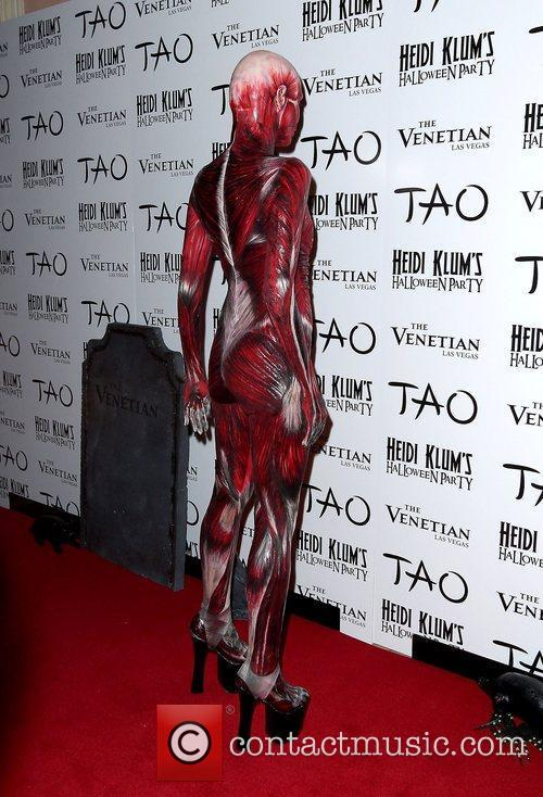 Heidi Klum and Tao Nightclub 6
