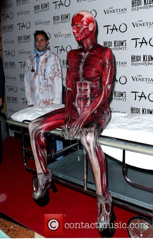 Heidi Klum and Tao Nightclub 40