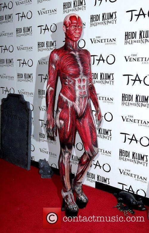 Heidi Klum and Tao Nightclub 11