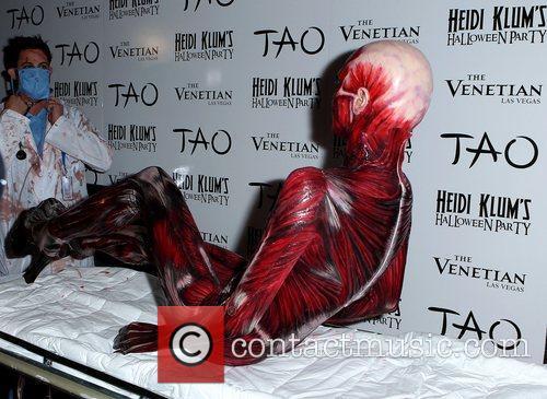 Heidi Klum and Tao Nightclub 19