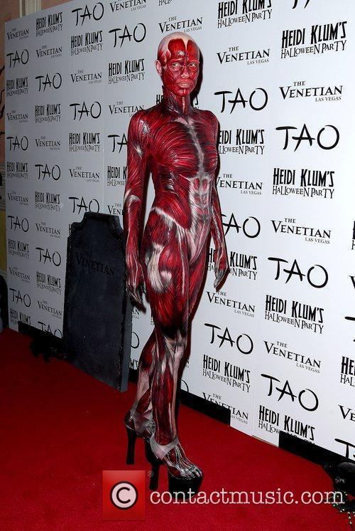 Heidi Klum and Tao Nightclub 14