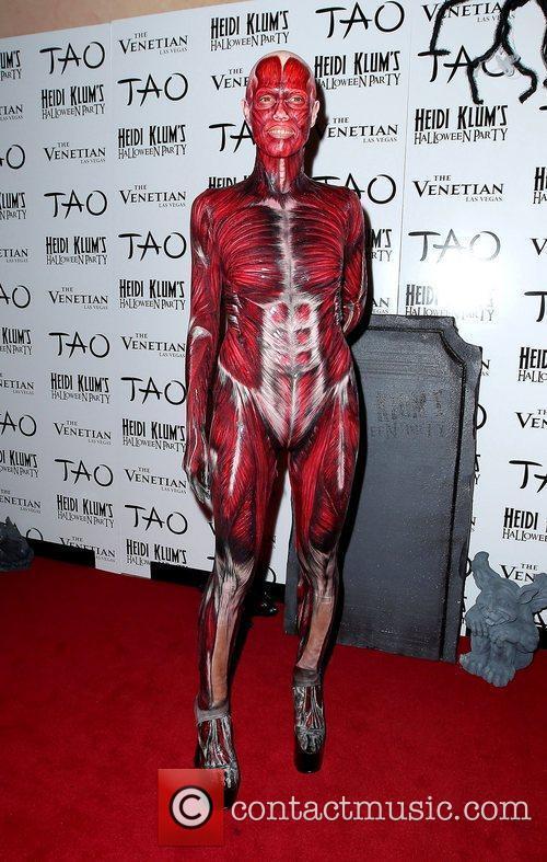 Heidi Klum and Tao Nightclub 12