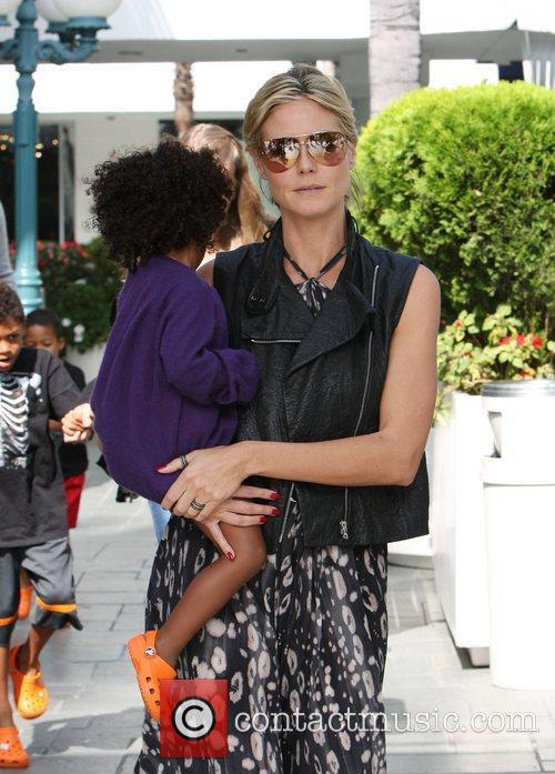 heidi klum and daughter lou samuel out 3559408